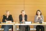 Johanna Voß am 17.04.2013 auf der Pressekonferenz zum Sondervotum der Opposition